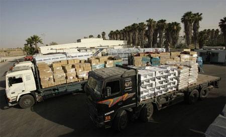 Gaza-trucks
