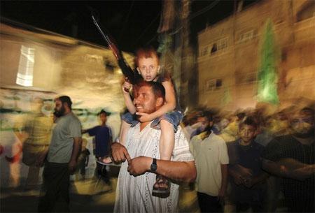 Hebron-attack-celebrate2